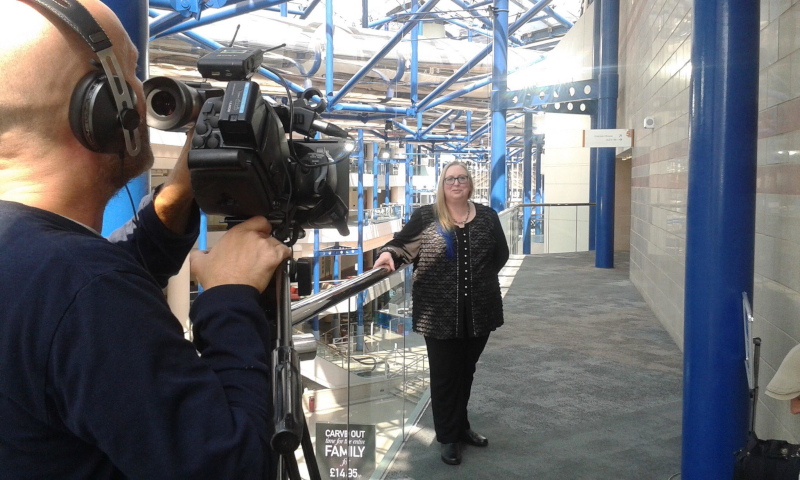 Dr Kate Beaven-Marks giving a hypnosis presentation to camera